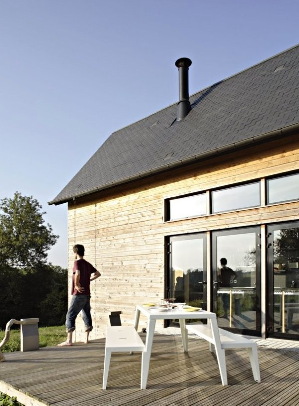 979-Sq-Ft-F-House-Small-Family-003