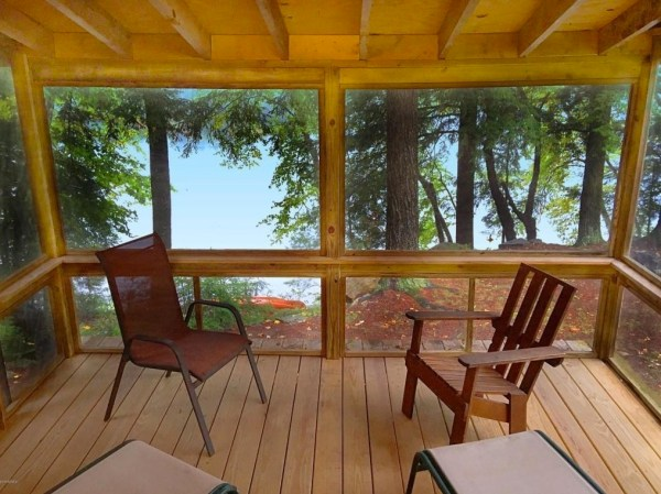 A-frame Cabin For Sale in Fort Ann 007