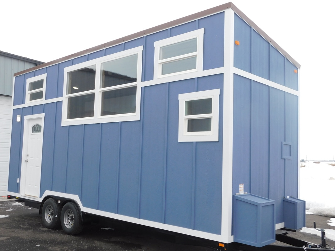 Adam And Emily 39 S Rustic Elegance Tiny House On Wheels