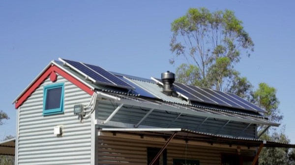 Amazing Off-Grid THOW in Australia 002