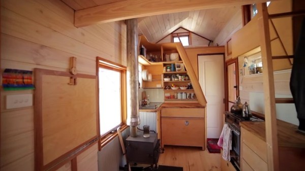 Amazing Off-Grid THOW in Australia 005