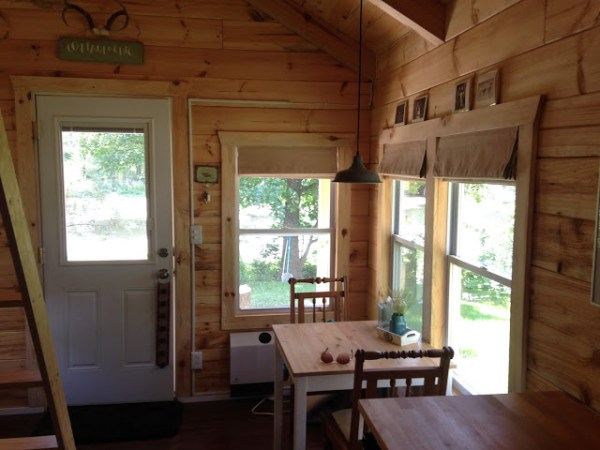 amish-built-tiny-cottage-003