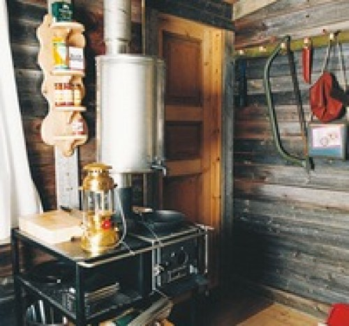 Architect-Designs-Builds-Thoreau-Inspired-Micro-Cabin-for-Client-003