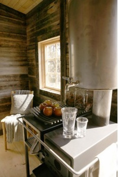 Architect-Designs-Builds-Thoreau-Inspired-Micro-Cabin-for-Client-005