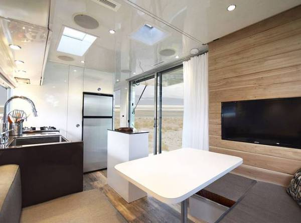 Architect Offers Low Impact Tiny House on Wheels