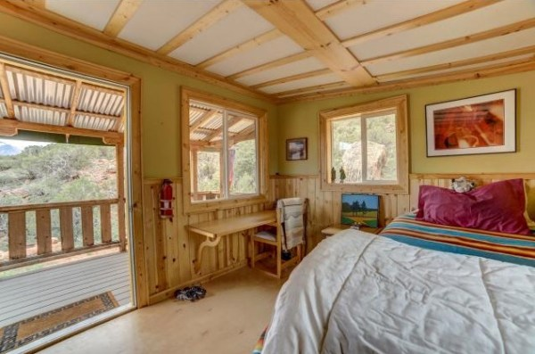 Artsy Tiny Cabin with Amazing Views in Utah For Sale 0012
