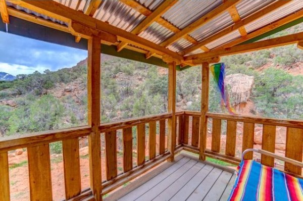 Artsy Tiny Cabin with Amazing Views in Utah For Sale 0014