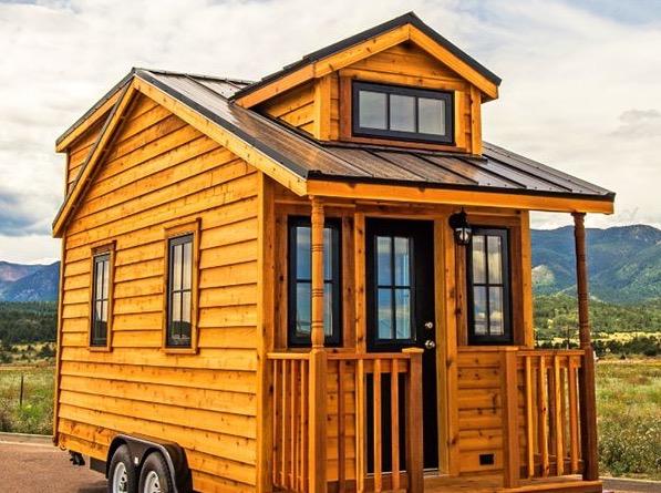 Atticus Tiny House at Mt Hood Village 001