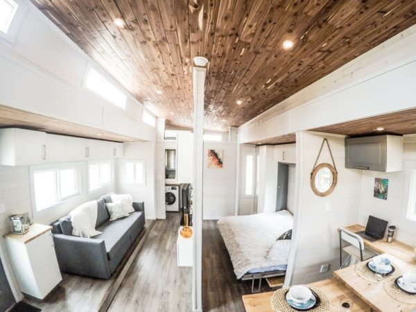 Expanding Tiny House on Wheels with Huge Slide Outs