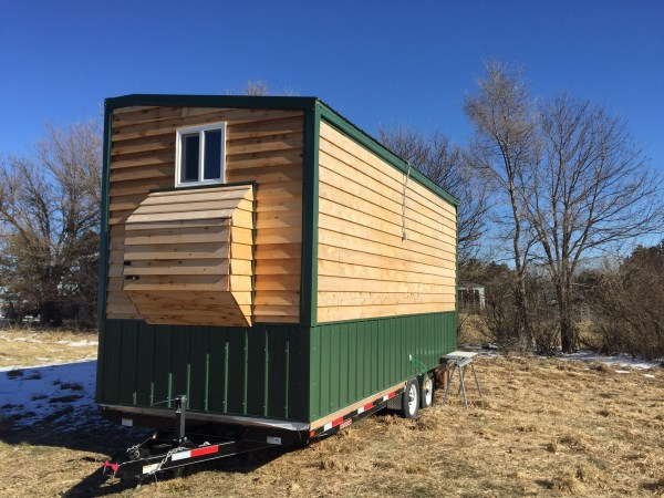 bachelors-off-grid-tiny-house-in-nebraska-for-sale-006