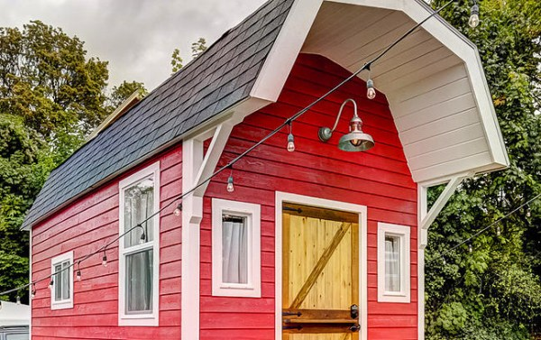 barn-tiny-house-getaway-portland