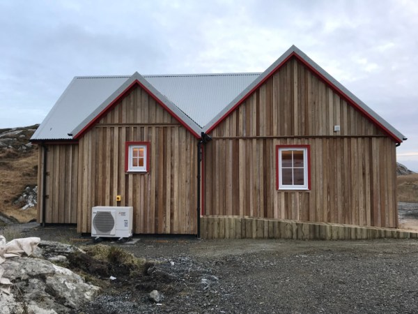Bespoke Wee House in Isle of Harris 005