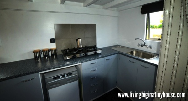 Bretts-Tiny-House-Kitchen-2-1024x576