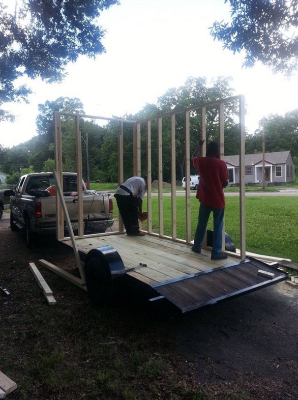 Building Micro Homes for Homeless in Tennessee 01