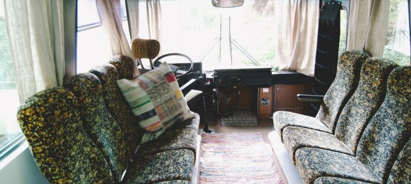 Bus-Converted-Cabin-Rooftop-Deck-008