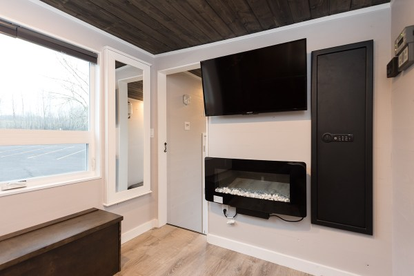 Cayman Tiny House by Tiny Innovations 0013