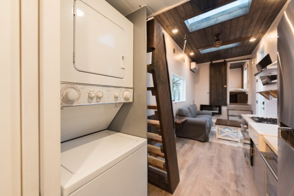 Cayman Tiny House by Tiny Innovations 005
