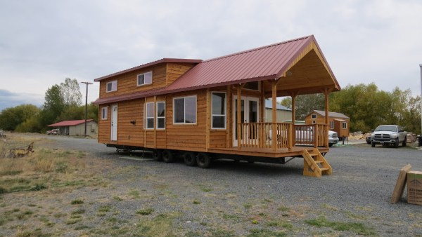 classic-double-loft-from-richs-portable-cabins