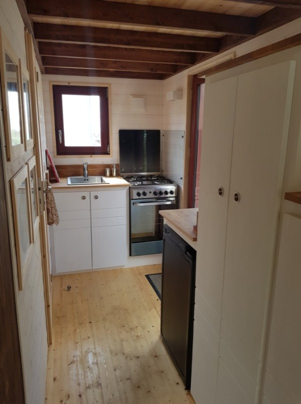 Completed Baluchon Tiny House 004