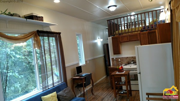 country-pint-sized-tiny-home-004