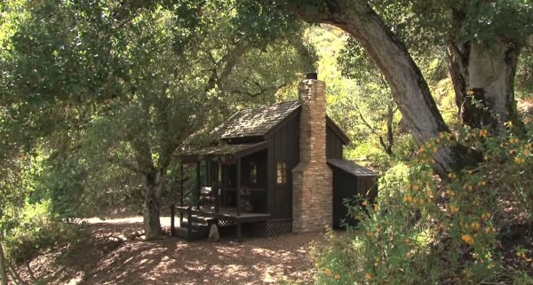 Couple Live For 7 Years In Tiny House With No Electricity