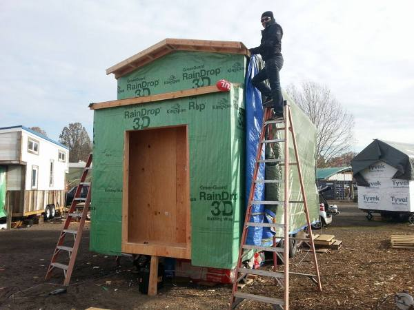 Couples 20k DIY Tiny House Construction 0014