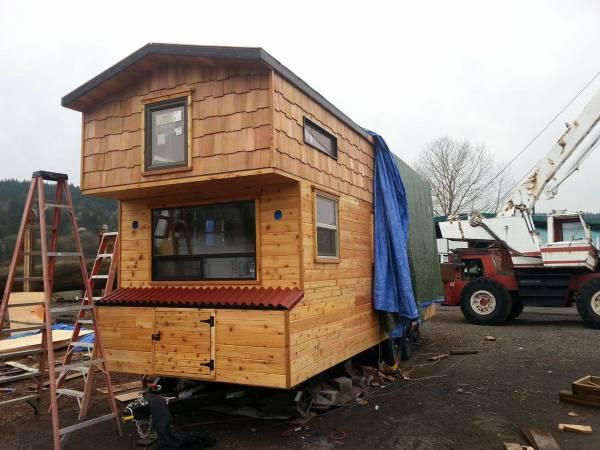 Couples 20k DIY Tiny House Construction 0018