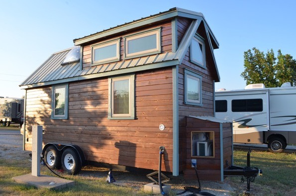 Couples DIY Tumbleweed Tiny House in Ausitn 004