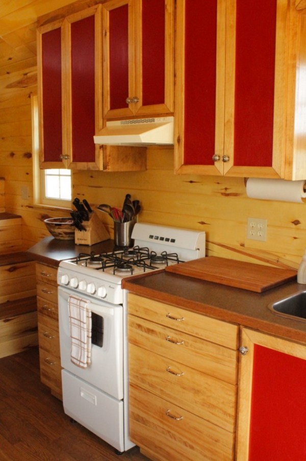 Couples Off Grid Tiny House on Wheels 002