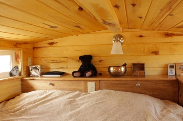 Couples Off Grid Tiny House on Wheels 005
