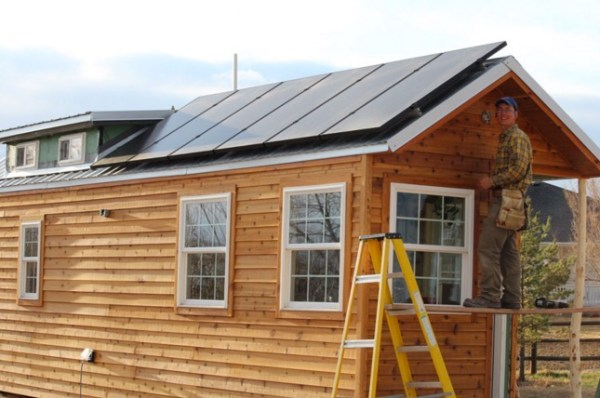 Couples Off Grid Tiny House on Wheels 009