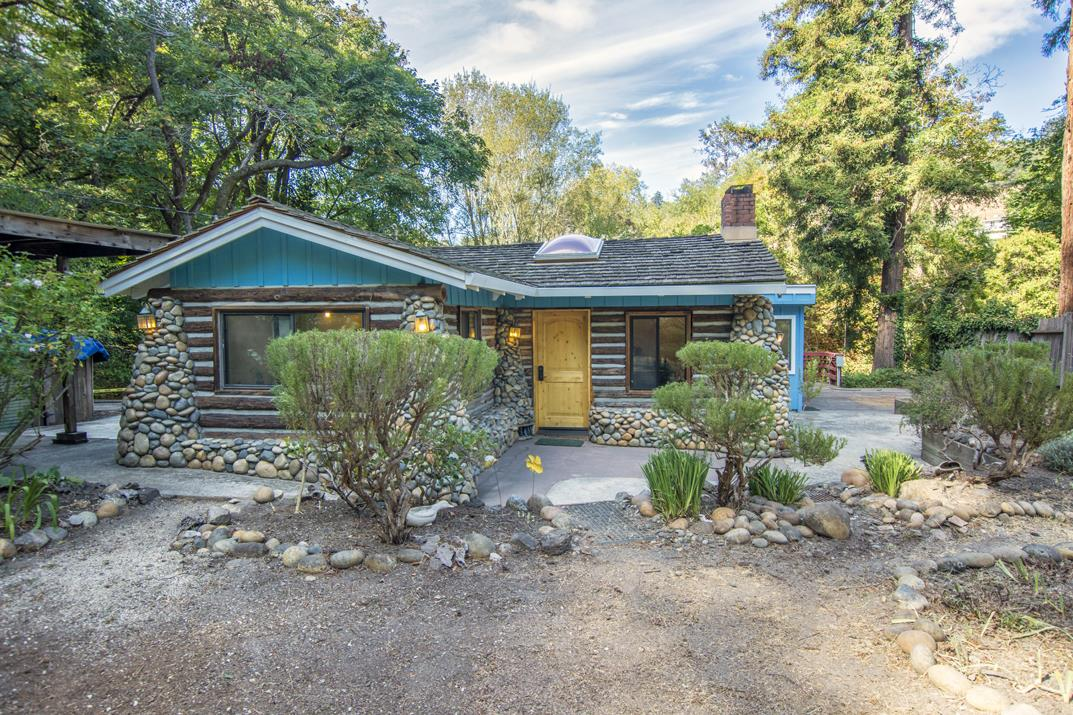 Beautiful creek side log cabin in santa cruz for Log cabin builders in california