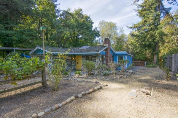 creek-side-cabin-in-santa-cruz-002
