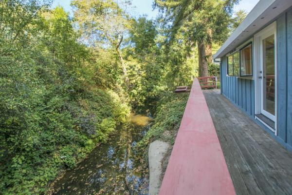 creek-side-cabin-in-santa-cruz-012
