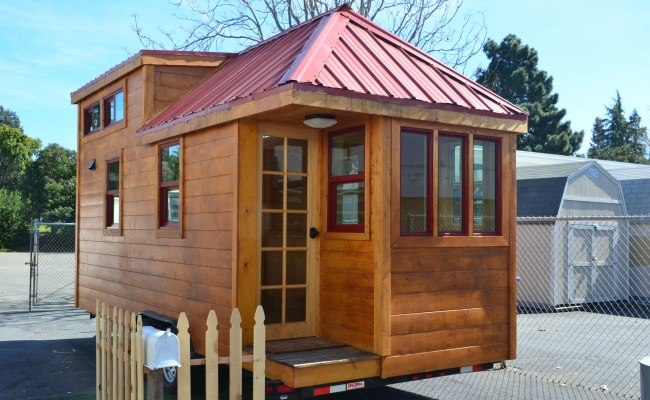 High School Students Build 20 Tiny House On Wheels