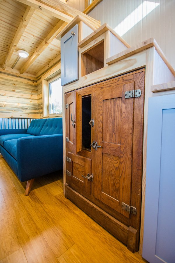 Dennis 24 MitchCraft Tiny House 0022