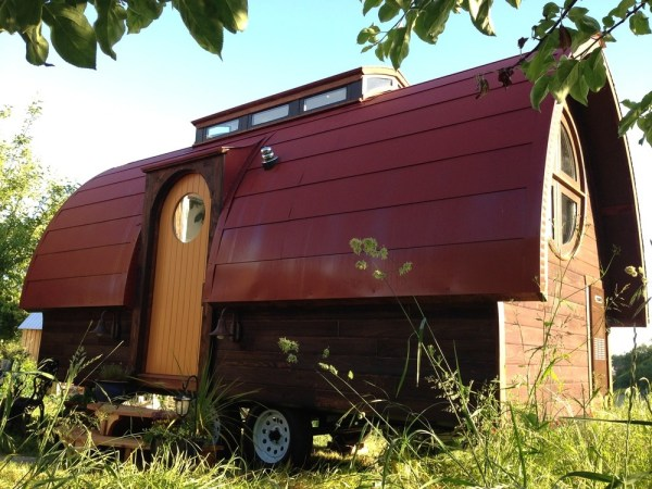 Dewdrop Tiny House by Zyl Vardos 001