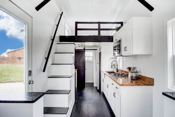 Domino Tiny House by Modern Tiny Living_005