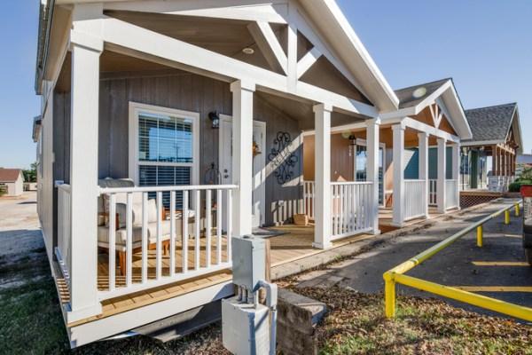 Tiny Home Designs: Fair House: Park Model Tiny House In Texas