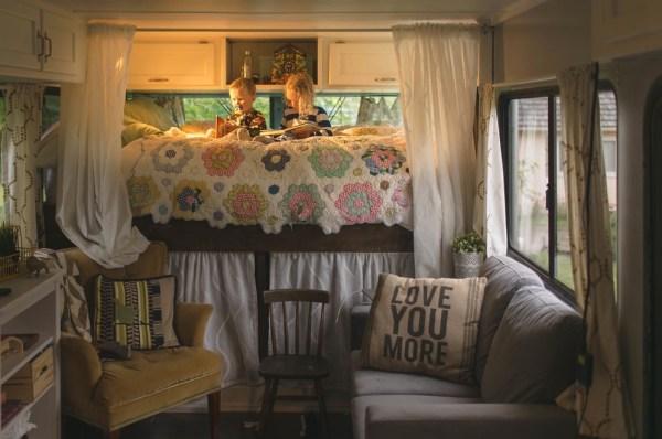 Familys Bus Tiny Home 0010