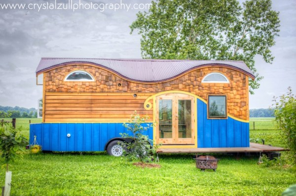 Family's Life in their Beautiful Tiny Home 001