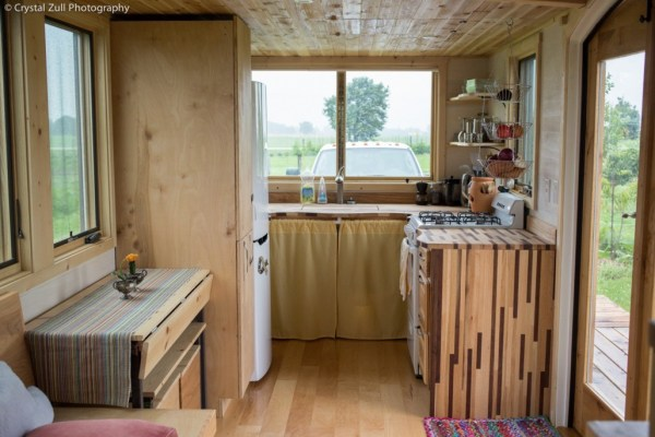 Family's Life in their Beautiful Tiny Home 002