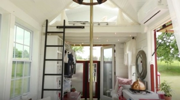 Firetruck Tiny House to Tribute First Responders