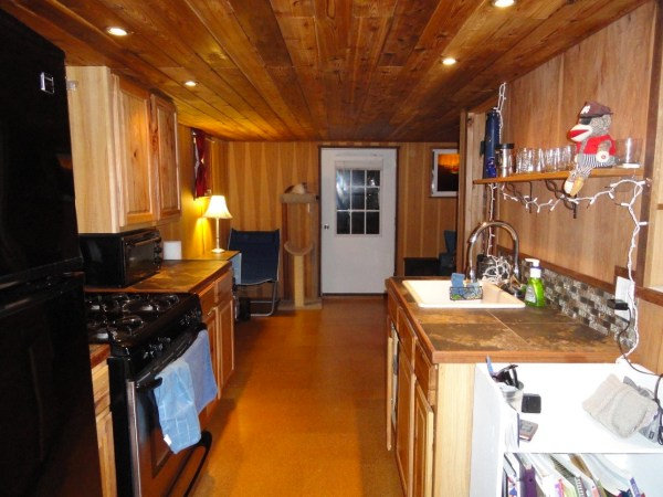 Floating Cottage For Sale in Portland 003