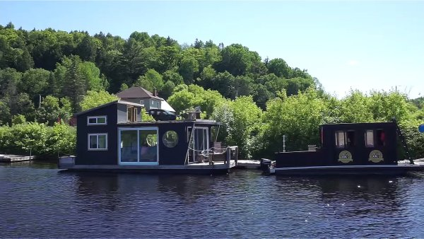 Floating Tiny Home in Wakefield 007