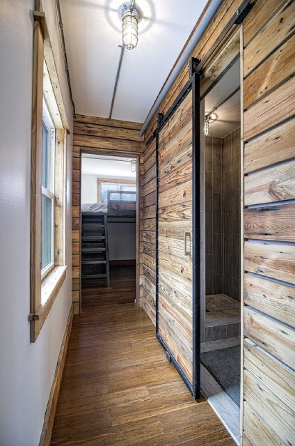 freedom-shipping-container-tiny-house-005