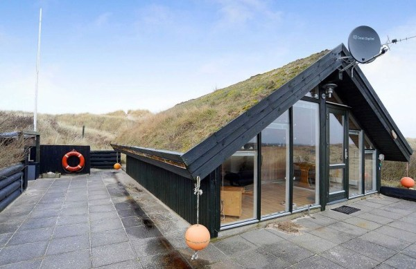 Grass Roof Cottage-005