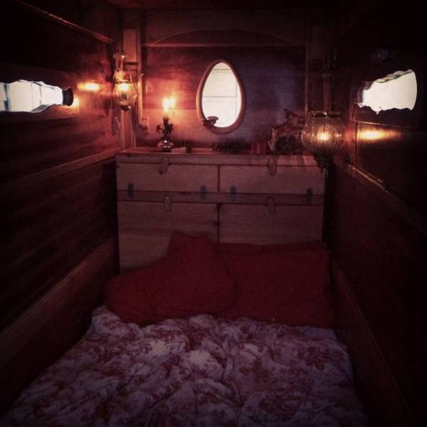 Caroyln's Gypsy Trailer on Wheels