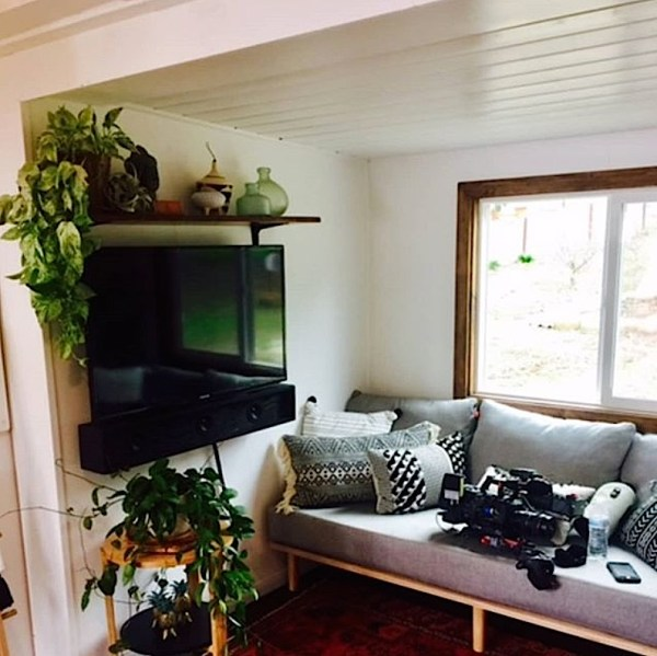 Couple S Paspin Tiny House On Wheels With Rooftop Deck