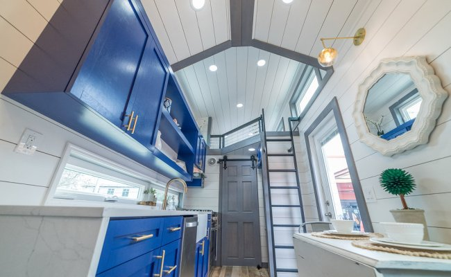 330 Sq Ft Henderson Tiny House On Wheels By Movable Roots